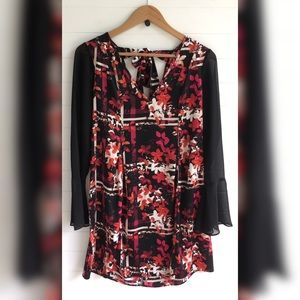 BCBGeneration Tie Back Floral Flare Sleeve NEW NWT